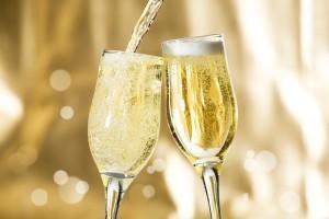 Шампанским принято называть любое игристое вино