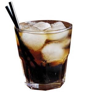 Пить подобную смесь нужно через трубочку или небольшими глотками, так как лед в составе может спровоцировать ангину