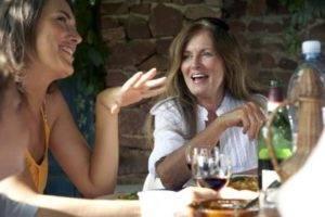 У женщин алкоголь всасывается быстро