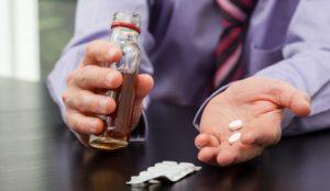 Алкоголь может усугубить негативное влияние таблеток на организм