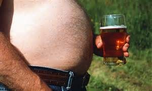 Пиво приводит к изменению гормонального фона мужчины и, соответственно, к полноте