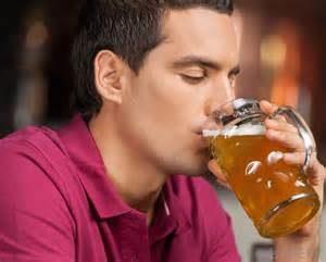 При простатите пиво пить не безопасно: алкоголь нарушает функции мужских половых клеток и снижает их способность к оплодотворению