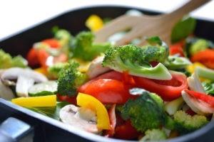 Питание при циррозе печени должно включать в свой состав тушеные, вареные или запеченные овощи