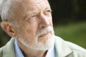 Противопоказанием пременения препарата является возраст старше 65 лет