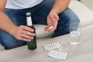 Принимать Энтерол с алкоголем противопоказано
