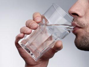 При интоксикации нужно пить много воды